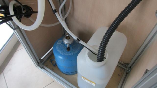 douche portable chauffe eau instantann gaz. Black Bedroom Furniture Sets. Home Design Ideas