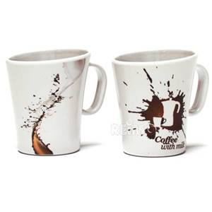 LOT DE 2 TASSES MELAMINES DECOR CREMONA