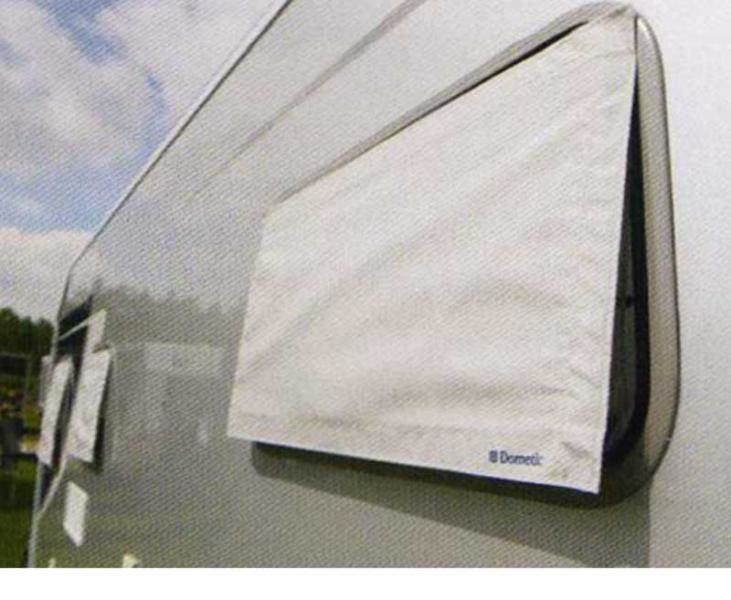 Protection solaire de fenetre sunshade dometic 700x300mm for Protection soleil fenetre